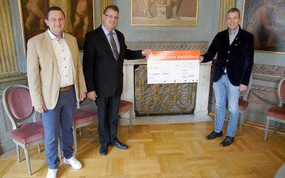 Auf Augenhöhe erhält 5.000 € für soziale Zwecke von der Firma Emmel